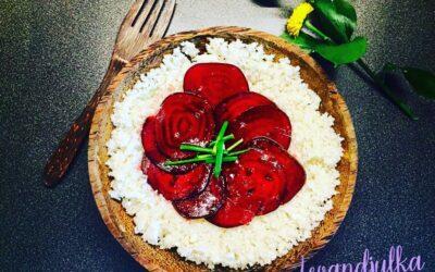 Carpacio zčervenej repy sraw ryžou
