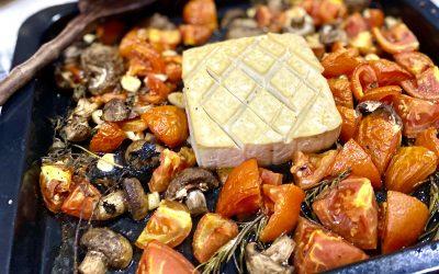 Voňavé pečené tofu alá feta sparadajkami a cestovinami-vegan